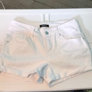 Forever 21 White Shorts size S